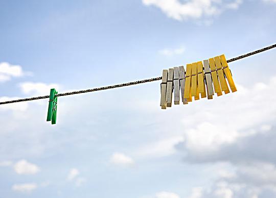 梅雨天湿气大 洗衣晒衣有讲究